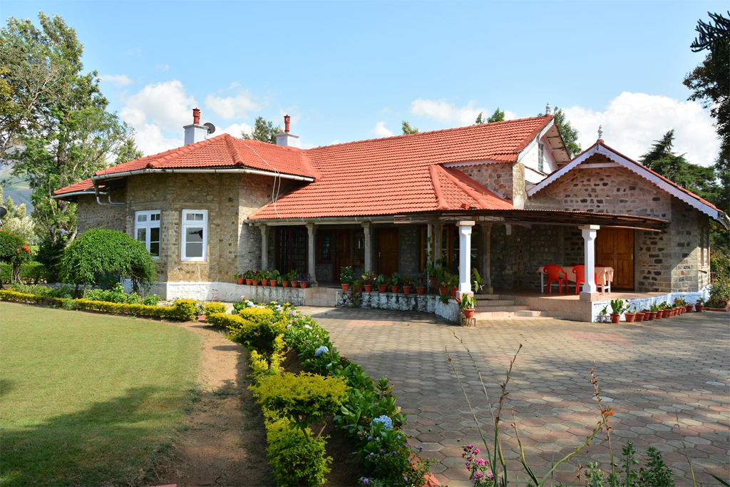 waterfalls bungalow valparai